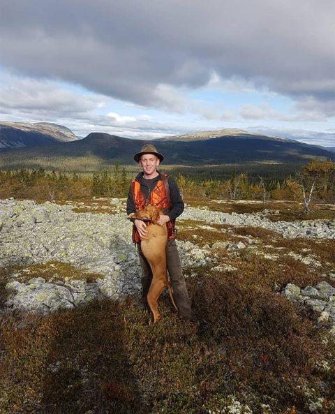Kasper Hansen og Fugledes Dina på fjeldet
